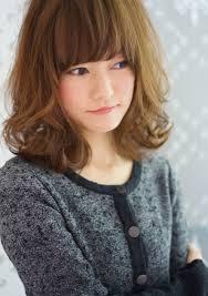 外ハネしても可愛いんですウェーブ系ミディアムパーマの髪型 福岡