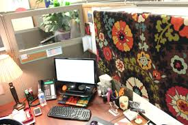 decoration: Cubicle Wall Decor Design Ideas And Office Decorations