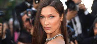 Take A Look At The Types of Posts Bella Hadid Shares On Instagram