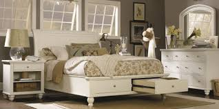 Cambridge Sleigh Storage Bedroom Set in Eggshell
