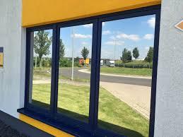 Sichtschutzfolie Anbringen Lassen Montageservice Und Garantie