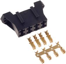 dorman 85668 fuse block holds 4 20 amp blade style fuses additional product details part number 85668 dorman 85668 fuse block