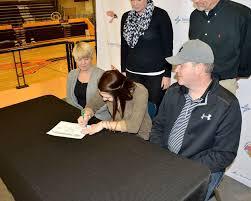 Heit signs to play volleyball at Ottawa - Sports - Butler County Times  Gazette - El Dorado, KS