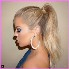 perez hilton noted that the makeup artist shared khloe s pic and