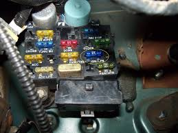 amp ign lps fuse blowing please help com here is a pic of the fuse i m talkin about