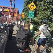bike to work in portland traffic jam 5 miles to the pearl district 1st stop donuts 2nd stop apple and then off to rug s jam