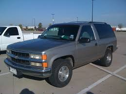 1998 Chevrolet Tahoe Specs and Photos | StrongAuto