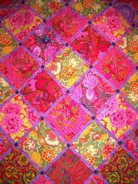 good lookin! - ...big bold beautiful Kaffe Fassett quilts ... & ...big bold beautiful Kaffe Fassett Adamdwight.com