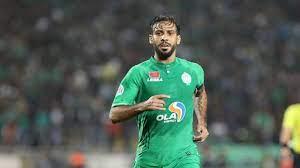 قائد الرجاء المغربي مطلوب في الدوري السعودي