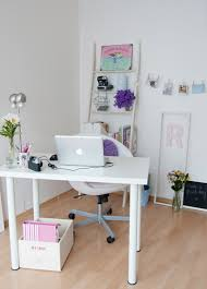 small office room. Source : Pinterest Small Office Room