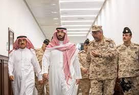 الحرس الوطني - الامير عبدالله بن بندر يزور كلية الملك عبدالله بن عبدالعزيز  للقيادة والأركان