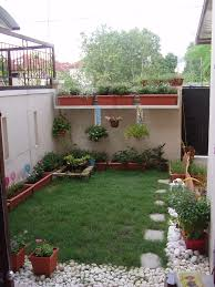 Simple Backyard Design Stagger Small Landscaping Ideas On A Budget