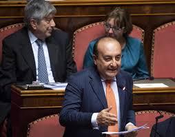 Il senatore Luigi Vitali lascia Forza Italia: sosterrò Conte - Tgcom24