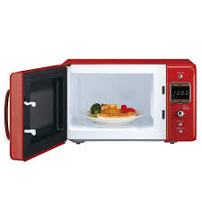 daewoo retro countertop microwave oven 0 7 cu ft 700w pure red quick breakfast