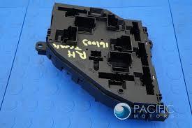 rear trunk fuse relay power junction box bmw i f rear trunk fuse relay power junction box 61149210857 bmw 740i f01 f04 f10 f12