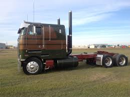 1000 ideas about used peterbilt for mack we deal in buying and selling of used commercial vehicles in we are an important player in the heart of s online vehicle business and our