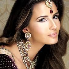 makeup artist annie shah for more south asian bridal inspiration visit mytrousseau