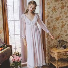 Pin di <b>Night Gown</b>