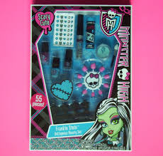 monster high makeup set frankie stein voleous beauty set 55 pieces 55 piece cosmetic set frankie stein voltrageous beauty set by lotta luv walmart