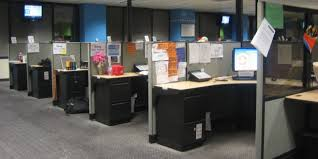 Ways To Decorate Your Cubicle Post Grad Problems What Your Cubicle Says About You