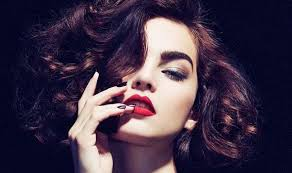get a y evening look with defined brows and bright red lips