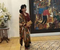 Selama itu pula, ragam koleksi kebaya dan kain indonesia tercipta dari tangan dinginnya. Sekarayu Sriwedari Koleksi Kebaya Modern Anne Avantie Cantik Tempo Co