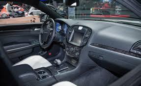 chrysler 300 2013 interior. el chrysler 300 para 2013 estar equipado con estas opciones de motor interior x