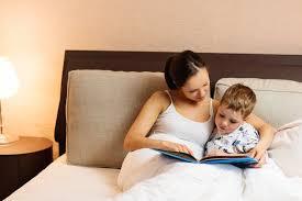 Resultado de imagem para É possível conciliar a profissão com a educação dos filhos?