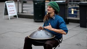 Street musician with unbelievable instrument! (Daniel Waples) - YouTube