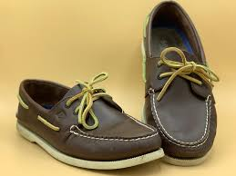 sperry boat shoes are the only shoes i ll ever need for summer here s why i the same pair year after year