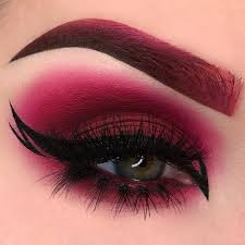 5red cleopatra eye makeup
