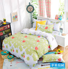 Apple and strawberry pattern cotton bedding set