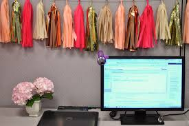28 Cubicle Decor DIY Ideas