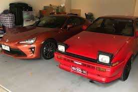 2017 Toyota 86 vs 1984 Toyota AE86 Sprinter Trueno   MOTOR