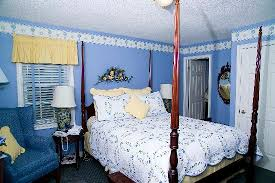 periwinkle bedroom. weatherpine inn: periwinkle room bedroom