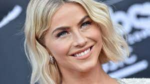 Bye, kurze Haare: Julianne Hough trägt ...