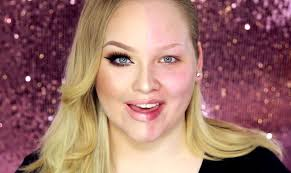 celebrity makeup artist tutorials you makeup artist nikkie demonstrated the powerofmakeup in a video which inspired