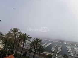 Il Ponente avvolto dalla nebbia, l'effetto caligo a Bordighera - Riviera24