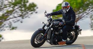 review the 2018 triumph bonneville bobber black carhoots