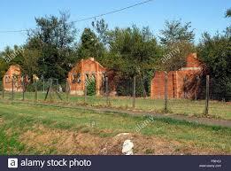 Campo di Fossoli (campo di concentramento di Fossoli), il prigioniero  caserma. Fossoli era una deportazione camp in Italia durante la Seconda  Guerra Mondiale. Ha cominciato come un campo di prigionia per poi