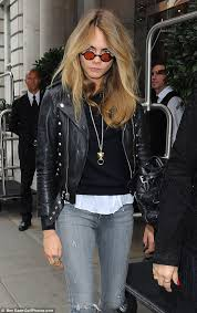 grunge girl cara delevingne left the glamour of london fashion week behind her as she
