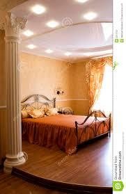 Camera da letto immagine stock. Immagine di sunlight, piano - 2314757