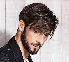 Мъжете на средна и дълга коса може да изглежда за себе си модни прически с выбритыми висками и на способността за изпълнение на лъча. Mzhki Pricheski 2021 Ksi Sredna Dlga Kosa I S Breton