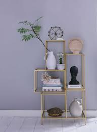 Gouden Open Kast Tegen Lila Muur Interieur Interior Woonkamer