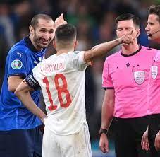 Leonardo Bonucci: Ordnerin hält Spieler für Fan – und will ihn stoppen -  WELT