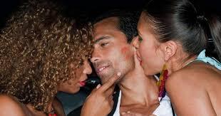 Couple seeking threesome woman