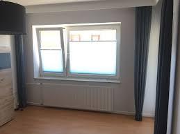 Schlafzimmer Fensterdekoration Mit Plissee Und Gardinen