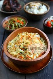 Bihun goreng, bee hoon goreng or mee hoon goreng refers to a dish of fried noodles cooked with rice vermicelli in both the indonesian and malay languages. Resep Humble Bihun Goreng Just Try Taste