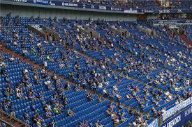May 30, 2021 · in der neuen saison muss der hsv nach zwei jahren pause auch wieder gegen den fc ingolstadt 04 spielen. Bis Zu 25 000 Schalker Fans Durfen Gegen Dusseldorf Dabei Sein