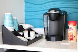 The keurig water filter, inside of your keurig water reservoir, is a… charcoal filter, and does reduce chlorine levels. What Is The Lifespan Of A Keurig Coffee Maker Monsieur Coffee